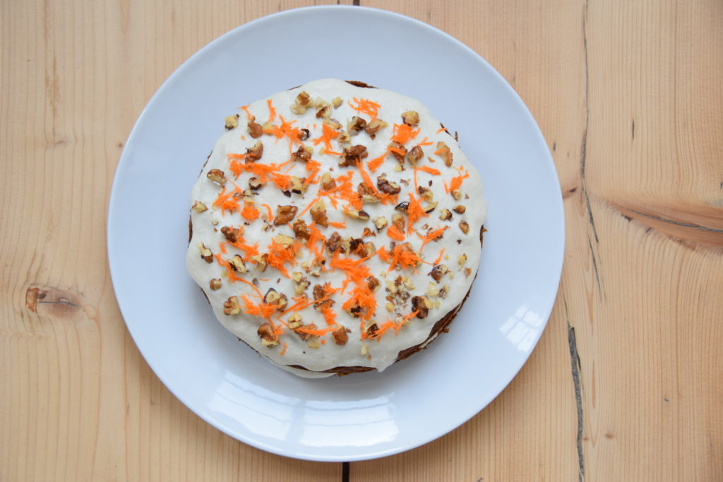 Glutenvrije worteltaart van bakbananenmeel