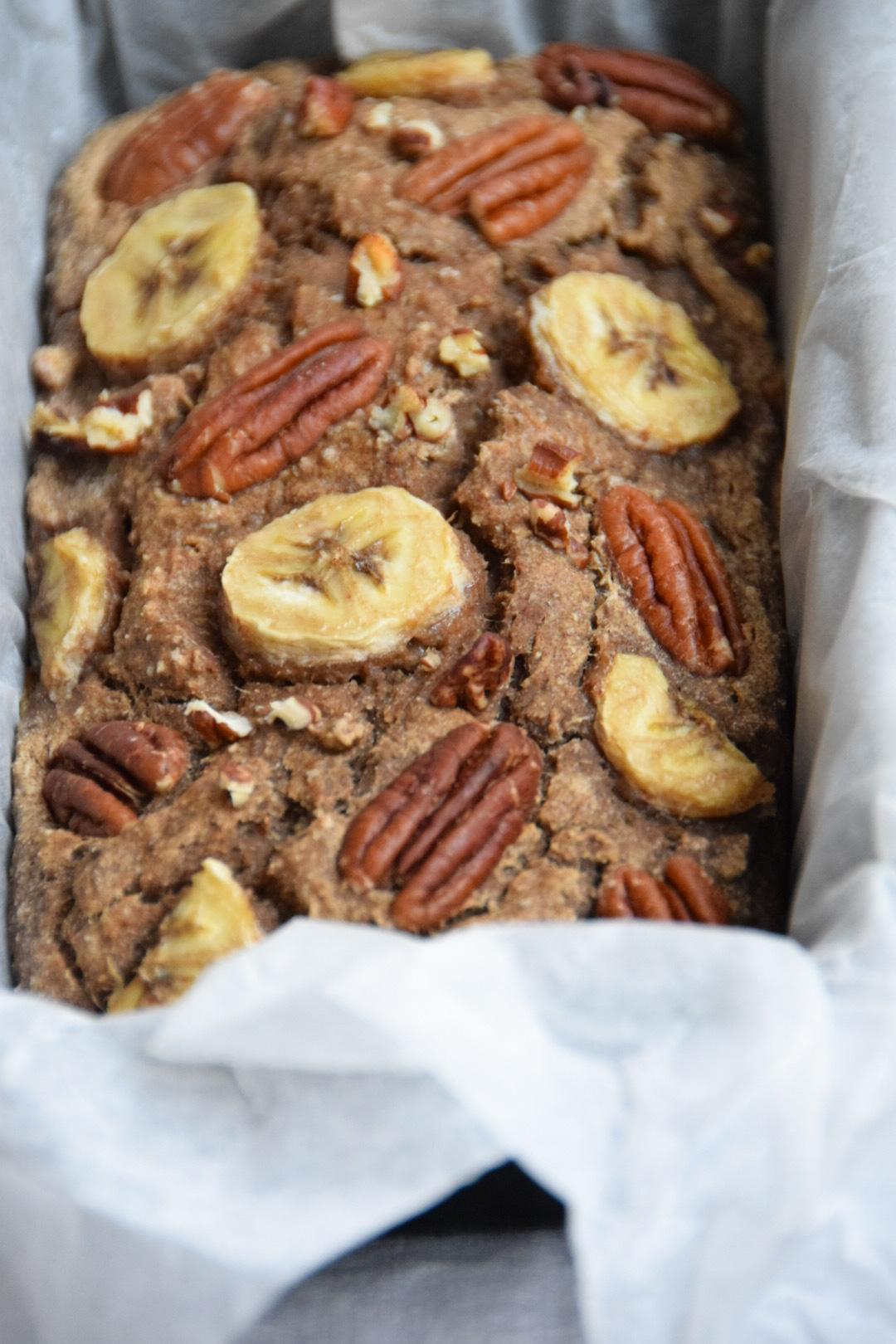 Vegan en glutenvrij bananenbrood met pecannoten