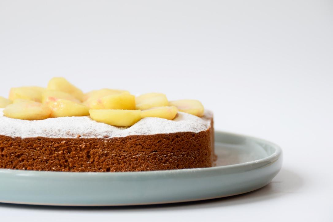 Glutenvrije perzikcake van bakbananenmeel